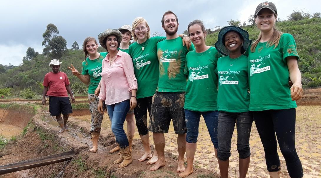 While learning French in Madagascar, students also have the option to volunteer on a Conservation Project.